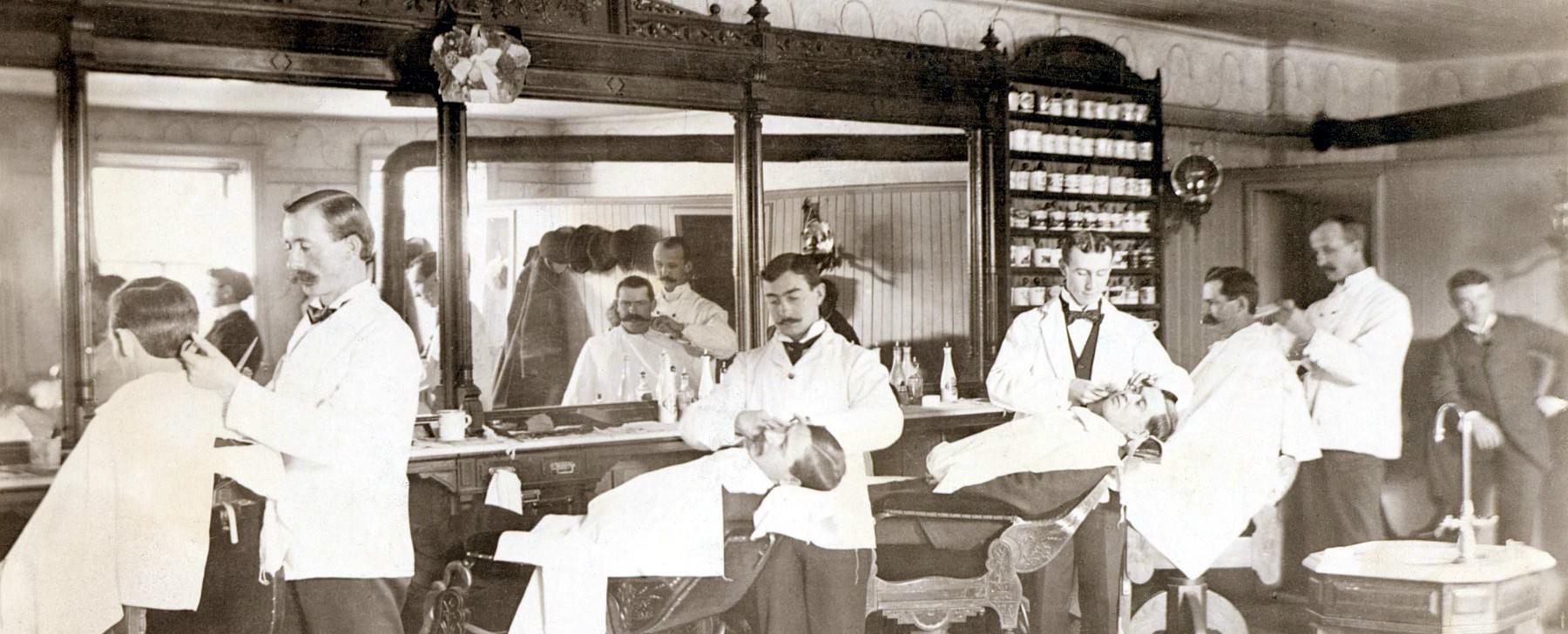 Andare dal barbiere un esperienza senza tempo for Sen martin arredo per barber shop